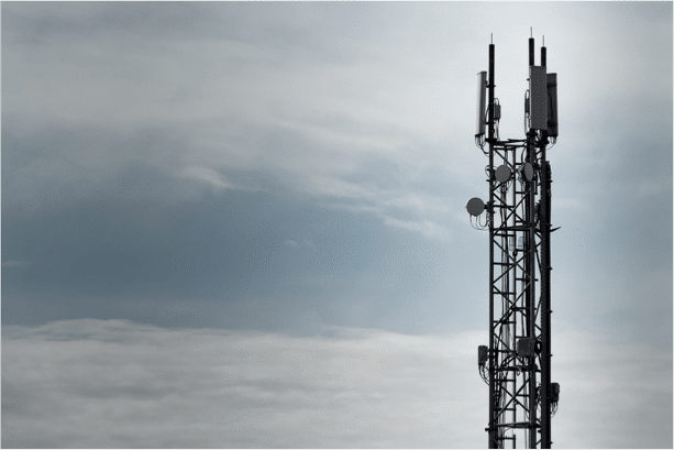 What is 4G/ LTE? All 3 Australian networks now offer 4G/LTE data speeds. We explain what that means.