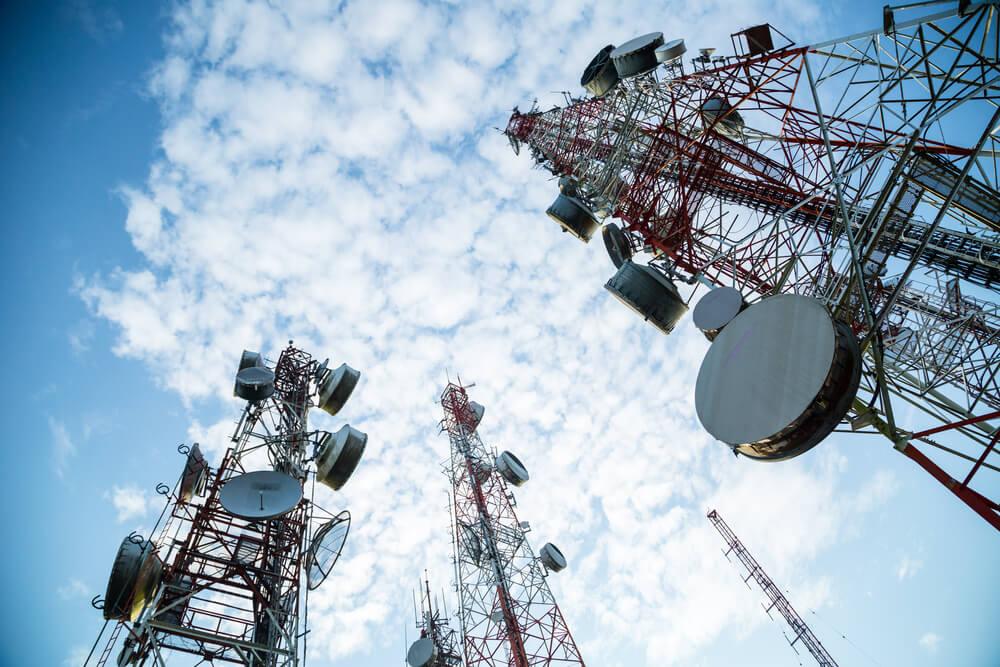 Telstra SWOT Analysis, Competitors & USP